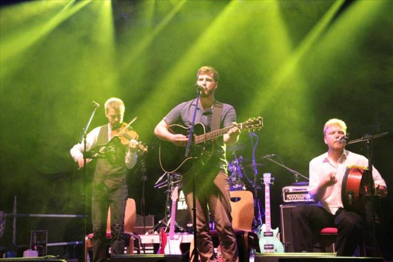 560165107-irish-folk-amp-celtic-music-festival-balver-hoehle-balver-hoehle-Pha7